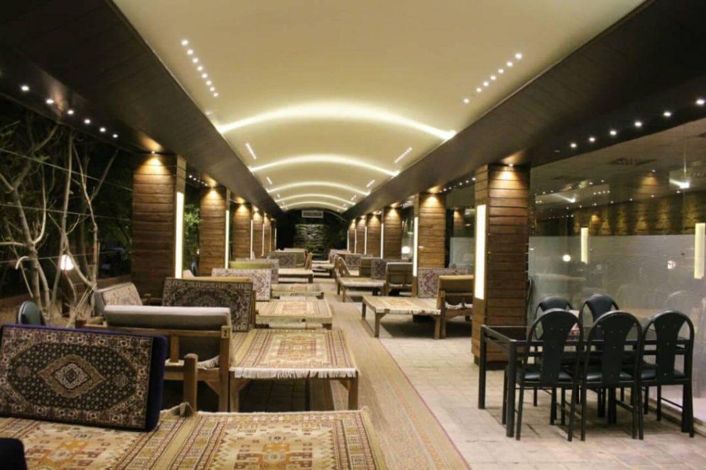 bagh3 1024x682 - مجموعه باغ رستوران بهشت فین کاشان