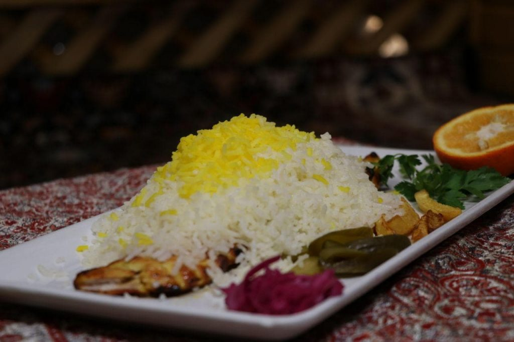mohit6 1024x682 - مجموعه باغ رستوران بهشت فین کاشان