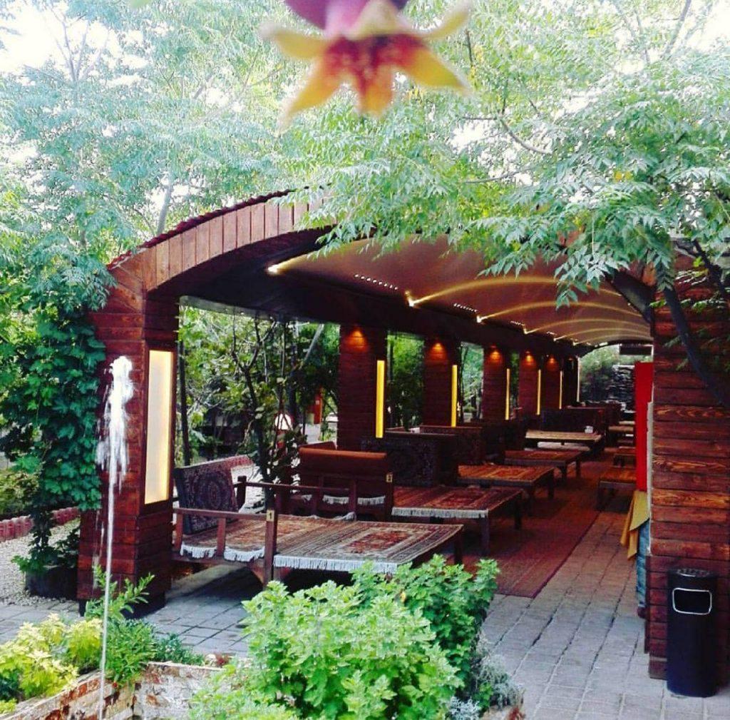 رستوران باغ بهشت کاشان