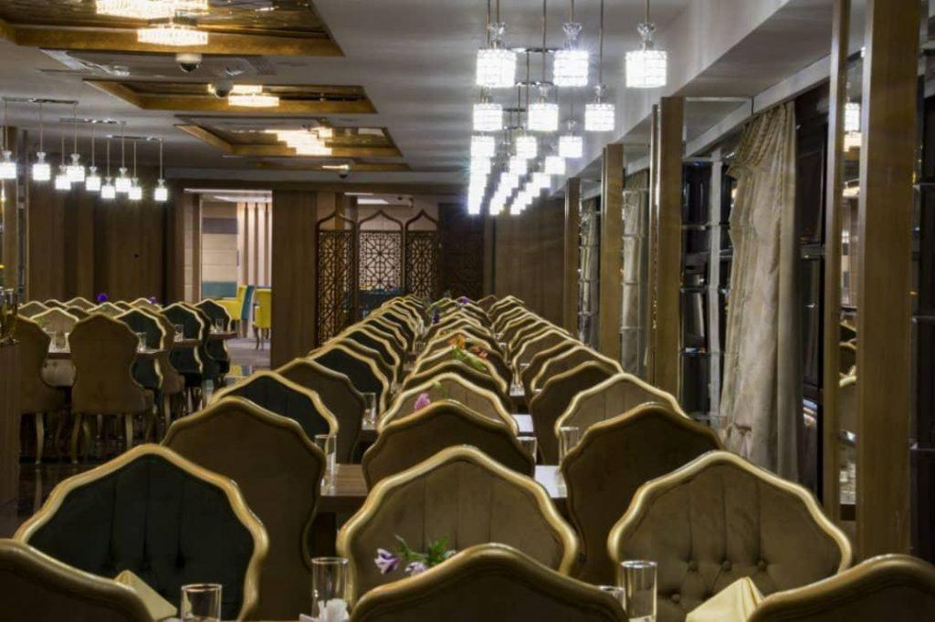 IMG 20190308 WA0009 min 1024x682 - رستوران بین المللی کی آشیان کاشان