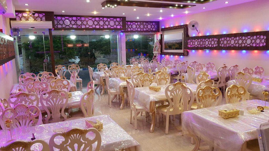 رستوران اکبرجوجه کاشان